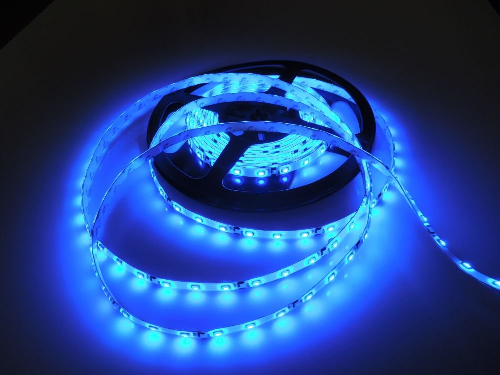 LED pásek 3528 60LED IP65 4,8W/ m MODRÝ