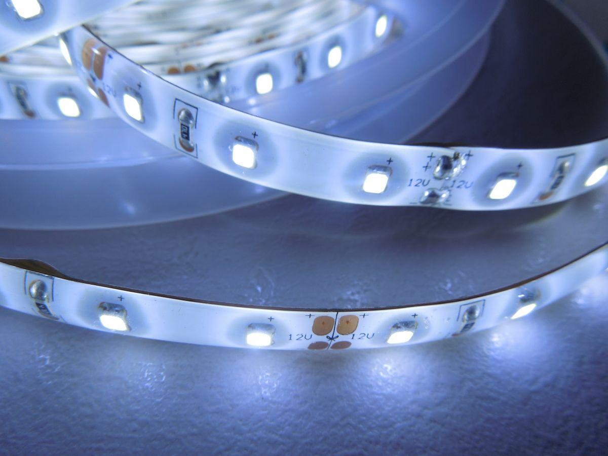 LED pásek SMD2835 60LED 14,4W/ m IP65