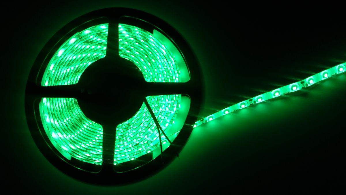 LED pásek 3528 60LED IP65 4,8W/ m ZELENÝ