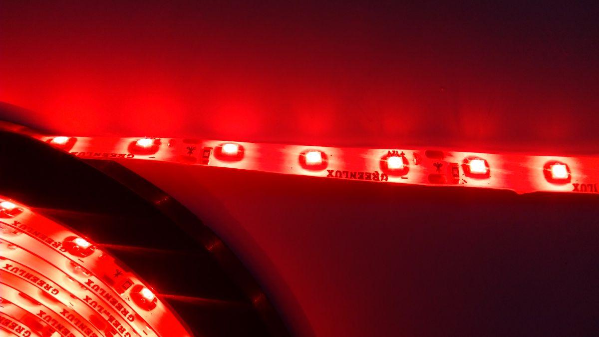 LED pásek 3528 60LED IP65 4,8W/ m ČERVENÝ