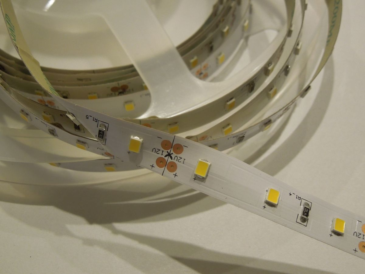 LED pásek SMD2835 60LED 14,4W/ m LS-2835-60L-14,4W