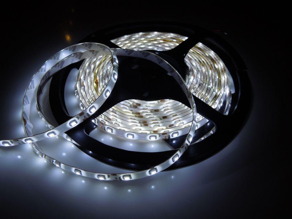 LED pásek 3528 60LED IP65 4,8W/ m